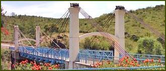 Puente Colgante - Alpa Corral